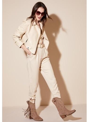 DeFacto Regular Fit Dokuma Düğme Detay Kadın Pantolon Bej